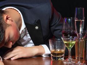 婚后想和哥们一起吃个饭、喝个酒都成了一种奢侈!